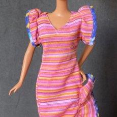 Barbie y Ken: VESTIDO LARGO BARBIE. Lote 277131113