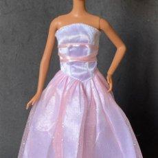 Barbie y Ken: VESTIDO LARGO BARBIE. Lote 277131333