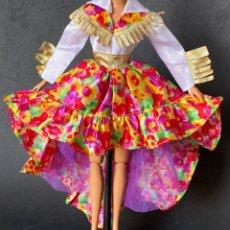 Barbie y Ken: VESTIDO LARGO BARBIE COUNTRY WESTERN. Lote 277131573