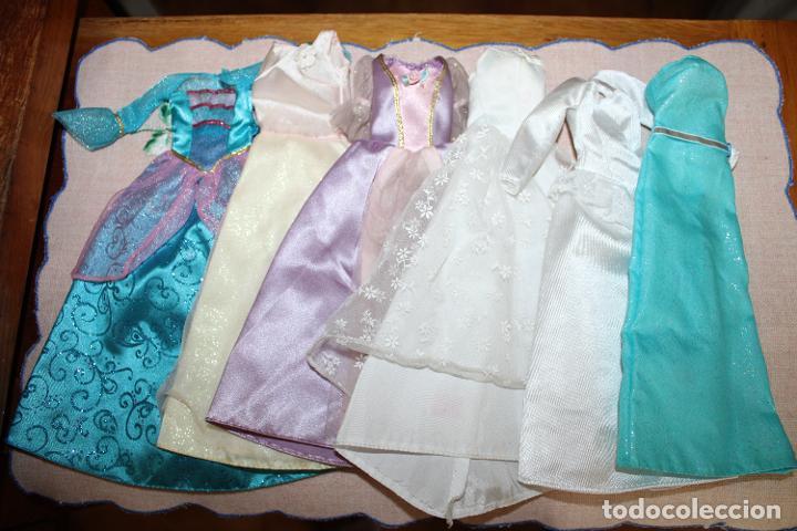 LOTE DE 6 VESTIDOS PARA BARBIE O SIMILARES (Juguetes - Muñeca Extranjera Moderna - Barbie y Ken - Vestidos y Accesorios)