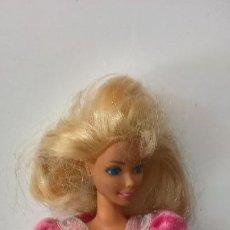 Barbie y Ken: BARBIE. MATTEL INC 1966 CHINA. CABEZA MATTEL INC 1970. CON ROPA ORIGINAL.. Lote 284710283