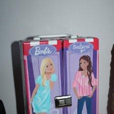 Barbie y Ken: MALETA ARMARIO PARA ROPAS BARBIE ORIGINAL - 2008 - MEDIDA 30X18X13CM - PLASTICO. Lote 287780558