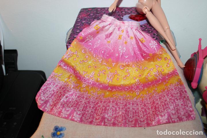 Barbie y Ken: falda capa ???? - Barbie original - Foto 2 - 288578873