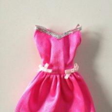 Barbie y Ken: BARBIE FASHION GIFT PACK VESTIDO TIRANTES ROSA FUCSIA AÑOS 90. Lote 294121968