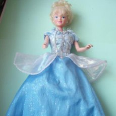 Barbie y Ken: BONITA MUÑECA BARBIE. Lote 27524411