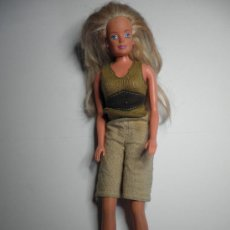 Barbie y Ken: MUÑECA BARBIE. Lote 28861668