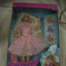 Barbie y Ken: ANTIGUA MUÑECA BARBIE NUEVA DE TIENDA EN SU CAJA. Lote 30808970