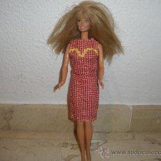 Barbie y Ken: BARBIE - BONITA BARBIE, CON VESTIDO SETENTERO, 111-1. Lote 31088397
