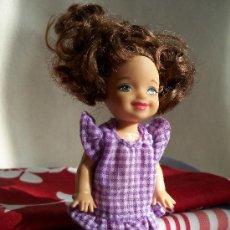 Barbie y Ken: SHELLY - BARBIE. MATTEL 2006 - 1994. VESTUARIO ORIGINAL. Lote 35200210