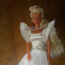Barbie y Ken: BARBIE DE FAMOSA. Lote 36966411
