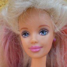 Barbie y Ken: MUÑECA BARBIE ARTICULADA, AÑO 1993, PELO CON MECHAS ROSAS. Lote 38194821