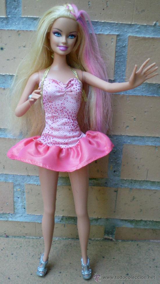 MUÑECA BARBIE MATTEL 1999 COMPLETA, PELO CON MECHAS ROSAS (Juguetes - Muñeca Extranjera Moderna - Barbie y Ken)