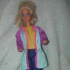 Barbie y Ken: MUÑECA BARBIE , MARCA MATTEL INC 1966 CHINA EN EL DORSO Y EN LA NUCA MATTEL INC 1976. Lote 40355725