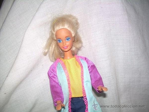 Barbie y Ken: MUÑECA BARBIE , MARCA MATTEL INC 1966 CHINA EN EL DORSO Y EN LA NUCA MATTEL INC 1976 - Foto 2 - 40355725