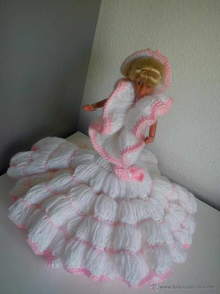 Barbie y Ken: PRECIOSA BARBIE COM EL VESTIDO DE LANA HECHO A MANO ESTA SELADA Petia .. - Foto 6 - 43391887