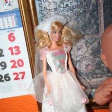 Barbie y Ken - PRECIOSA MUÑECA BARBIE CON VELO Y TRAJE ORIGINAL - 44715213
