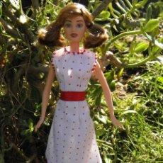 Barbie y Ken: MUÑECA BARBIE TERESA FASHION FEVER DE MATTEL. Lote 47900910