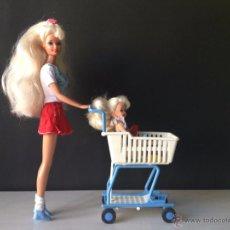 Barbie y Ken - Muñeca Barbie y Shelly con carro carrito de la compra - 48945279