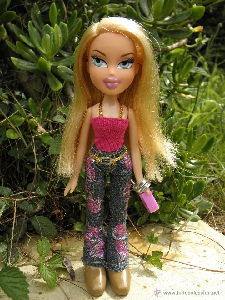 MUÑECA WALKING BRATZ CLOE DE MGA (Juguetes - Muñeca Extranjera Moderna - Barbie y Ken)