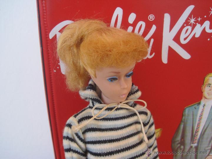 Barbie y Ken: PRECIOSA BARBIE 1958 AND KEN 1960, CON ARMARIO, VESTIDOS Y ZAPATOS. (MUY REBAJADO) - Foto 3 - 52476314