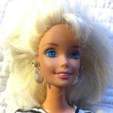 Barbie y Ken: MUÑECA BARBIE DE LOS 90 MOLDE 1966. Lote 52596265