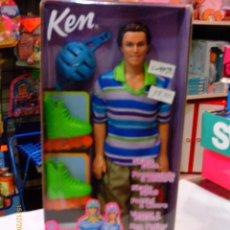 Barbie y Ken: KEN VAMOS A PATINAR (CON PATINES TAMBIÉN PARA BARBIE).PELO SINTÉTICO.AÑO 2002.NUEVO EN CAJA SELLADA.. Lote 288675418