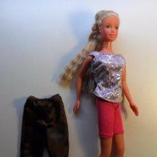Barbie y Ken: MUÑECA MÁS UN PANTALÓN - SIMBA TOYS - CHINA. Lote 54566414