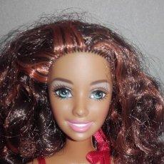 Barbie y Ken: MUÑECA BARBIE NEGRA RIZOSA CALI GIRL CALIFORNIA CON BOTAS ORIGINALES DE MATTEL. Lote 56922483