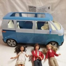 Barbie y Ken: BARBIE - FURGONETA VOLKSWAGEN Y TRES MUÑECAS HIGH SCHOOL MUSICAL . Lote 58197182