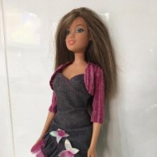 Barbie y Ken: MUÑECA BARBIE, MODERNA, CABEZA MATTEL 2006, CUERPO MATTEL 2006 CHINA. Lote 67197229
