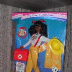 Barbie y Ken - Muñeca Barbie Noir Black Career Collection Fire Fighter Doll NRFB - 71649187