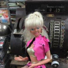 Barbie y Ken: PRECIOSA BARBIE LARGA MELENA TRENZADA AÑOS 90. Lote 72223403