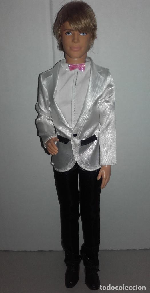 muñeco ken vestido de novio para boda de mattel - vendido en venta