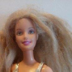 Barbie y Ken: BARBIE DE MATTEL VESTIDO DORADO PLATEADO (1998). Lote 76961093