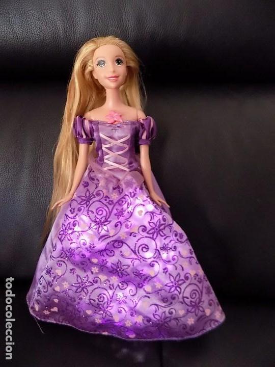 Barbie Rapunzel Princesa Canta Y Se Ilumina El Vestido