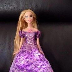 Barbie y Ken - barbie rapunzel princesa. canta y se ilumina el vestido - 81272880