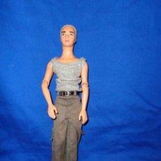 Barbie y Ken: KEN -GRACIOSO MUÑECO KEN MATTEL INC AÑO 2003 MIDE UNOS 30 CM, VER FOTOS!! SM. Lote 144072640