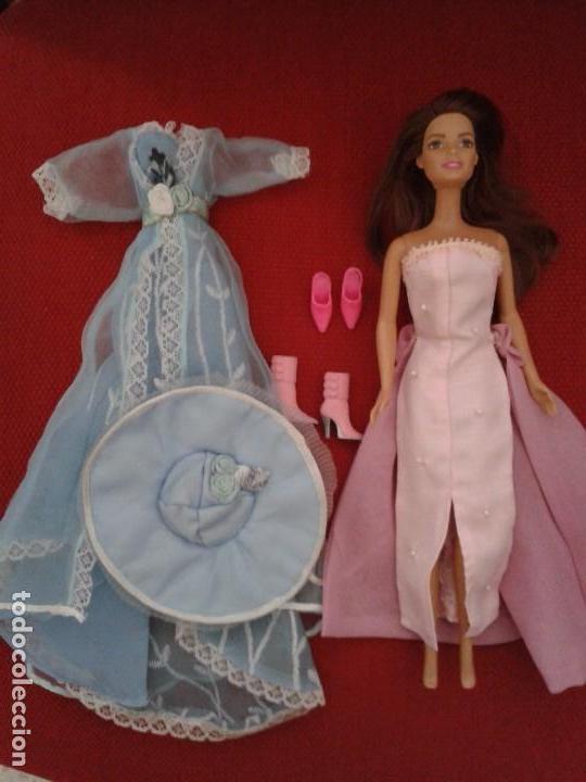 LOTE DE BARBIE ACTUAL CON VESTIDOS Y ZAPATOS (Juguetes - Muñeca Extranjera Moderna - Barbie y Ken)
