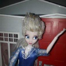 Barbie y Ken: PRECIOSA MUÑECA BARBIE PRICESAS DISNEY VESTIDO INCLUIDO VER FOTOS PRINCESA ANNA ANA FROZEN. Lote 92514850