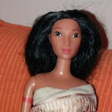 Barbie y Ken: MUÑECA BARBIE DE MATTEL POCAHONTAS SUN COLOURS AÑO 1995. Lote 92948395