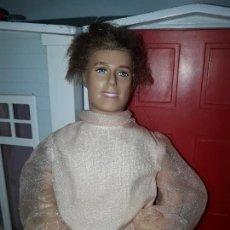 Barbie y Ken: PRECIOSO MUÑECO KEN DE MATTEL NOVIO DE BARBIE ROPA INCLUIDA BUEN ESTADO PRINCIPE DE PRINCESAS. Lote 94064570