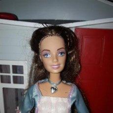 Barbie y Ken: PRECIOSA MUÑECA BARBIE PRINCESA MATTEL ROPA INCLUIDA BUEN ESTADO SERIE PRINCESA Y LA COSTURERA. Lote 94525558
