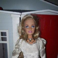 Barbie y Ken: PRECIOSA MUÑECA BARBIE PRINCESA MATTEL ROPA INCLUIDA BUEN ESTADO SERIE PRINCESA Y LA COSTURERA. Lote 94525698