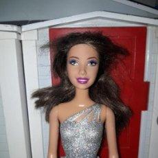Barbie y Ken: PRECIOSA MUÑECA BARBIE MATTEL BUEN ESTADO ROPA INCLUIDA FHASION MODA. Lote 94527126