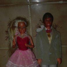 Barbie y Ken: BONITA PAREJA BARBIE Y KEN DE MATTEL SPAIN DE LOS AÑOS 80, BARBIE MARCADA 1965 KEN 1968 ROPA ORIGINA. Lote 96983414