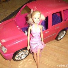 Barbie y Ken: BARBIE FASHIONISTA CON SU COCHE SUV CADILLAC ESCALADE.MATTEL 2010.. Lote 97685879