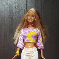Barbie y Ken: MUÑECA BARBIE CON PANTALONES Y PENDIENTES DE ARGOLLA MATTEL 1999. Lote 100548155