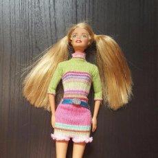 Barbie y Ken: MUÑECA BARBIE CON VESTIDO DE PUNTO MATTEL 1999. Lote 100548263