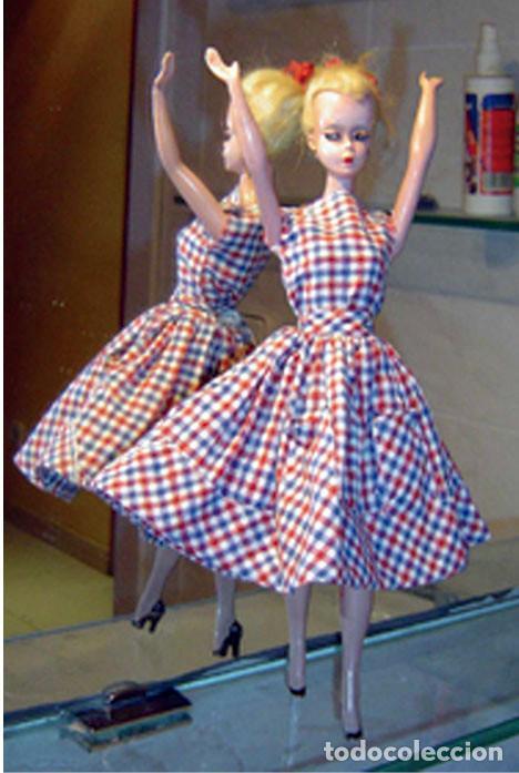 BARBIE (LILLY VON HAUSER) 1957 PRIMERA EDICIÓN TRAJE ORIGINAL Y UNA SERIE DE VESTIDOS DE LOS AÑOS 60 (Juguetes - Muñeca Extranjera Moderna - Barbie y Ken)