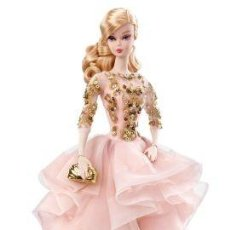Barbie y Ken - Barbie Blush and Gold Cocktail Dress Silkstone New 2017 NRFB - 102764907